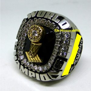 2006 MIAMI HEAT NBA BASKETBALL CHAMPIONSHIP RING
