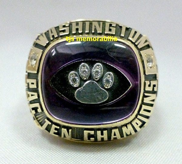 Washington Huskies Ring